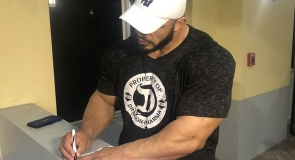 Bodybuilding champion Big Ramy signing LMP t-shirt