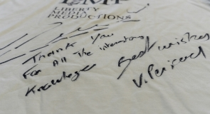 Vincent Péricard's signature on LMP t-shirt